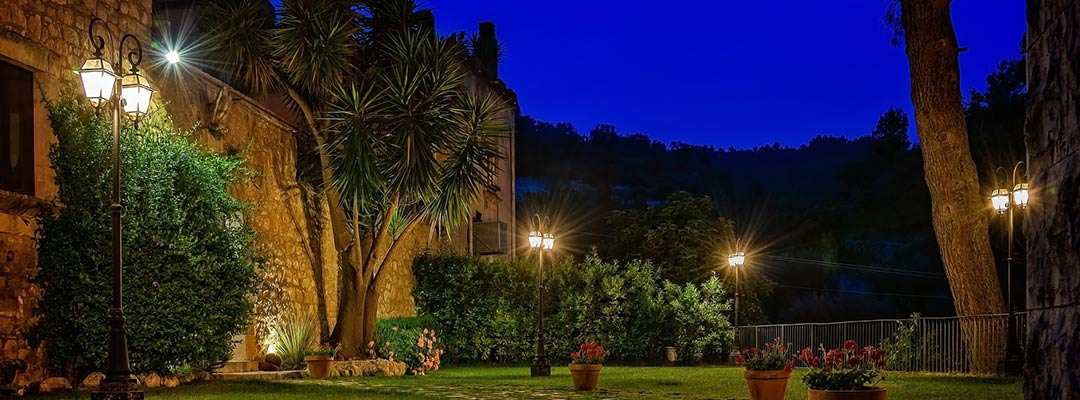 Best Solar Garden Decor Features To Consider