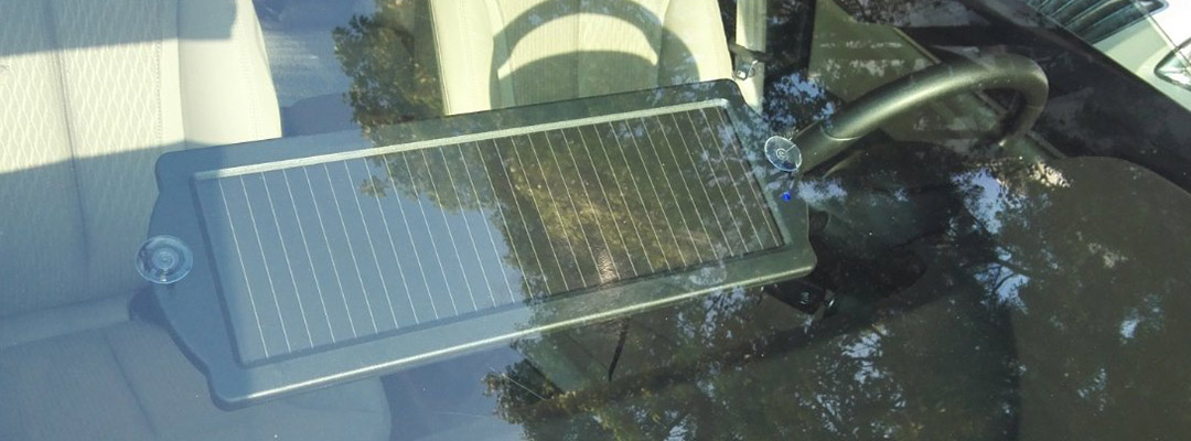 Best features of solar trickle chargers