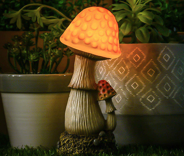 Hannah's Cottage Mushroom Garden Solar Lights