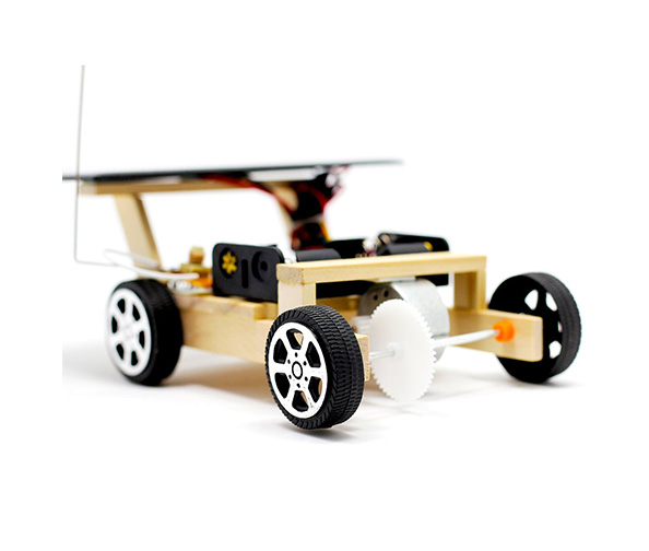 Pica Toys Wooden Solar Power Robot Kit