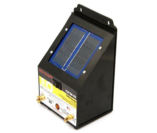 Red Snap'r 2-Mile Solar Fence Charger