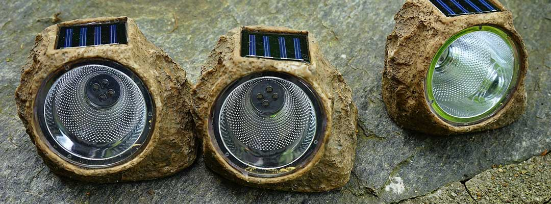 What Are Solar Rock Lights