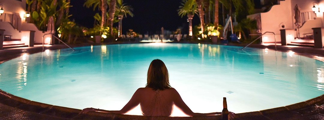 What To Look For When Buying Solar Pool Lights